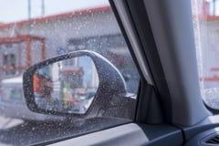 Fenêtres de voiture/voitures sales qui doivent être lavées Photo libre de droits