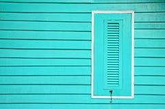 Fenêtres en bois dans le style thaïlandais Photographie stock libre de droits