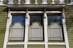 Fenêtres en bois de tabouret Photographie stock