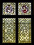 Fenêtres en verre teinté dans le château de Rijkburcht dans Cochem, région de la Moselle, Allemagne Photographie stock
