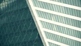 Fenêtres modernes de skysraper de bureau clips vidéos
