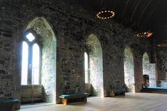 Fenêtres profondes des Rois Hall Bergen image stock