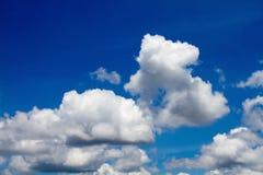 Fenômenos do formulário das nuvens imagem de stock