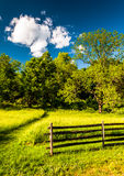 Fence in a grassy field, at Antietam National Battlefield, Maryl Royalty Free Stock Images