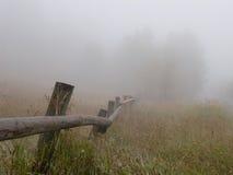 Fencelin en niebla Imagenes de archivo