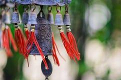 Feng Shui Chinese Bell en Muntstuk die worden geblazen Royalty-vrije Stock Foto