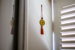 Feng shui rzecz na nadokiennym parapecie Zdjęcia Stock