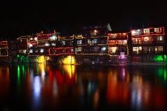 Fenghuang forntida stads nightscape Fotografering för Bildbyråer