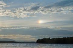 Fenomeno ottico di alone nel Nord della Russia Fotografia Stock Libera da Diritti