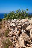 Fense di pietra sulla banca del sud dell'isola di Malta Fotografie Stock Libere da Diritti
