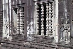 Fenster Colonettes und Flachreliefs an des 12. Jahrhunderts Tempel Ankgor Wat Lizenzfreie Stockbilder