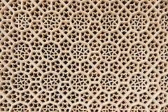 Fenster der Hand schnitzte Marmor in Fatehpur Sikri. Stockbild