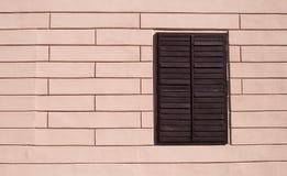 Fenster in der Wand Lizenzfreies Stockfoto