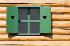 Fenster des grünen Hauses Stockfoto