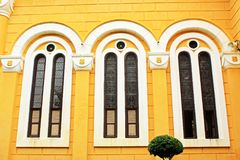 Fenster des Heiligen Joseph Catholic Church, Ayutthaya, Thailand Lizenzfreies Stockbild