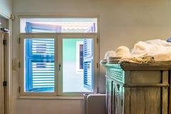 Fenster in ein Ansichten Altbauten Punda Curaçao Lizenzfreie Stockbilder