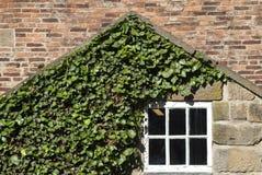 Fenster in einem alten Haus stockfoto