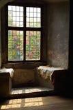 Fenster in einem Schloss Stockfoto