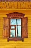 Fenster eines alten Hauses Lizenzfreies Stockfoto