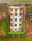 Fenster eines alten Tempels Stockfoto