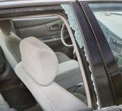 Fenster gebrochenes wegen des Selbstunfalles Lizenzfreie Stockfotografie