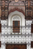 Fenster am Haus von Musik in Fez, Marokko Stockfotografie