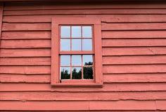 Fenster im Blockhaus Stockfoto