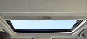 Fenster innerhalb des Autos Stockbild