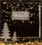 Fenster, Lichter in der Nacht, Frohe Weihnachten bedeutet frohe Weihnachten Stockfotos