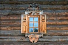 Fenster mit Latten lizenzfreies stockbild