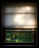Fenster mit Vorhängen Lizenzfreie Stockbilder