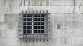 Fenster-Stangen auf Festung Stockbild