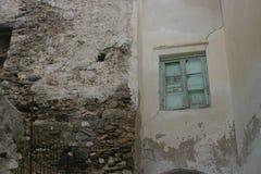 Fenster und alte Wand Stockbild