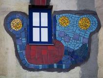 Fenster und Fassade, künstlerisch angeordnet lizenzfreies stockfoto