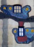 Fenster und Fassade, künstlerisch angeordnet lizenzfreie stockbilder