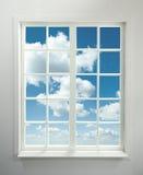 Fenster und Himmel Lizenzfreies Stockbild