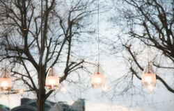 Fenster und Leuchten Lizenzfreie Stockfotos