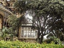Fenster von einer Villa Lizenzfreie Stockbilder