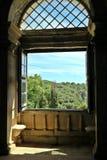 Fenster zur Natur lizenzfreie stockfotos