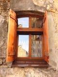 Fenster zur Retro- Stadt stockfoto