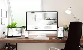 Fensterbürotischplattengerät-Hotelwebsite lizenzfreie abbildung