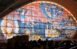 Fensterbild in der Feldgeistlichen Pio Pilgrimage Church, Italien Lizenzfreies Stockbild