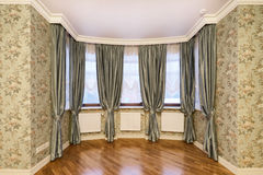 Fensterdekorationsvorhänge Lizenzfreies Stockfoto
