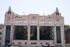 Fensterhintergrund des traditionellen Gebäudes, Lissabon, Portugal lizenzfreie stockfotografie