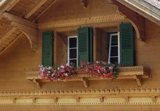Fensterkästen die Schweiz Stockfotos