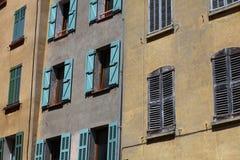 Fensterläden stockbild