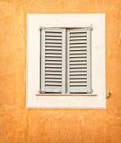 Fensterläden geschlossen Lizenzfreies Stockfoto
