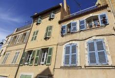 Fensterläden und Fenster Lizenzfreies Stockbild