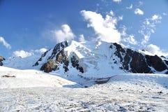 Fente dans le glacier de montagne Image stock