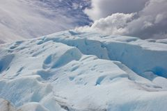 Fente de glace de glacier en parc national du Chili photographie stock libre de droits